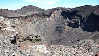 富士山の噴火口
