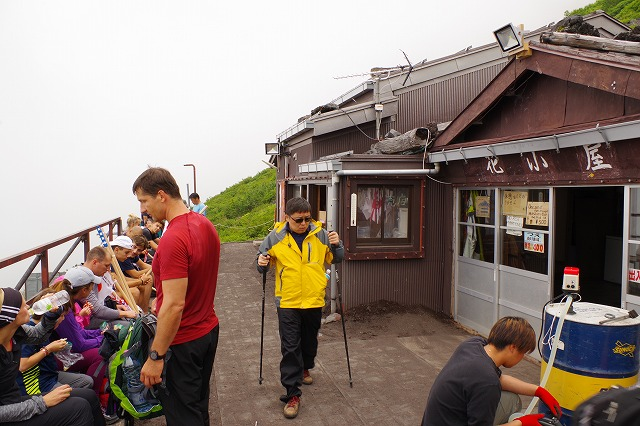 吉田ルート登山道(登りルート) 七合目 花小屋