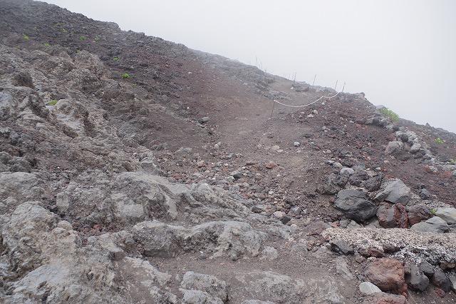 須走ルート登山道:本七合目へから八合目へ