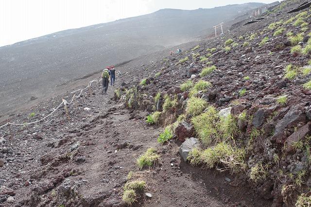 須走ルート登山道:八合目へから本八合目へ