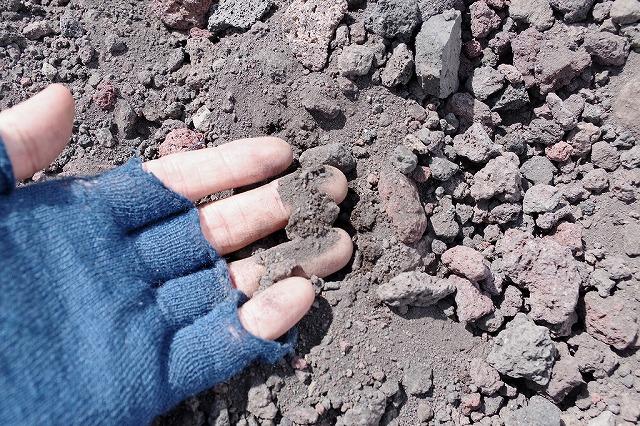 砂埃の原因は粒子の細かい砂塵