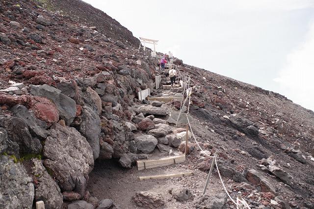 須走・吉田ルート登山道:九合目へから頂上