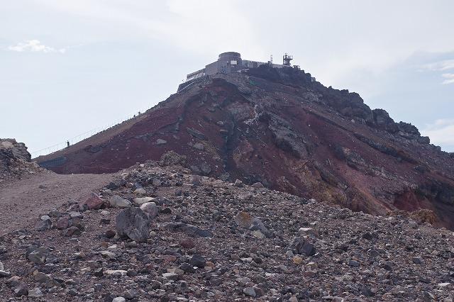 剣ヶ峰の馬の背、浅間神社奥宮、富士山頂上お鉢めぐり
