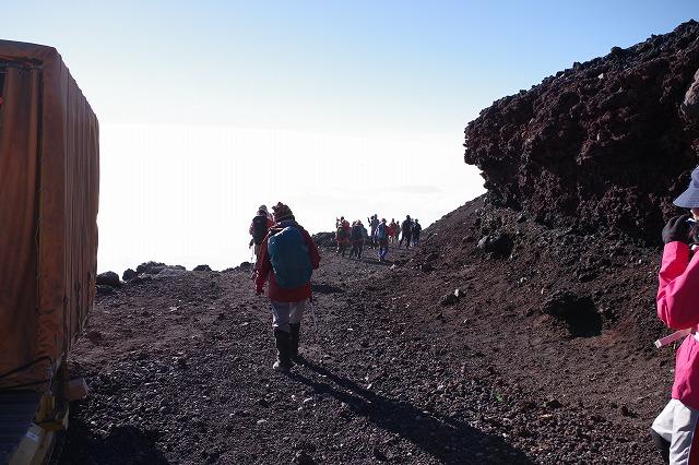 須走・吉田ルート下山道:山頂から八合目の下江戸屋分岐へ