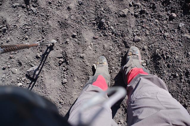 砂埃、須走・吉田ルート下山道:山頂から八合目の下江戸屋分岐へ