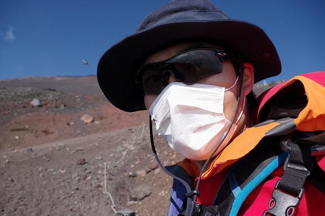サングラスとマスクでしっかり防塵対策