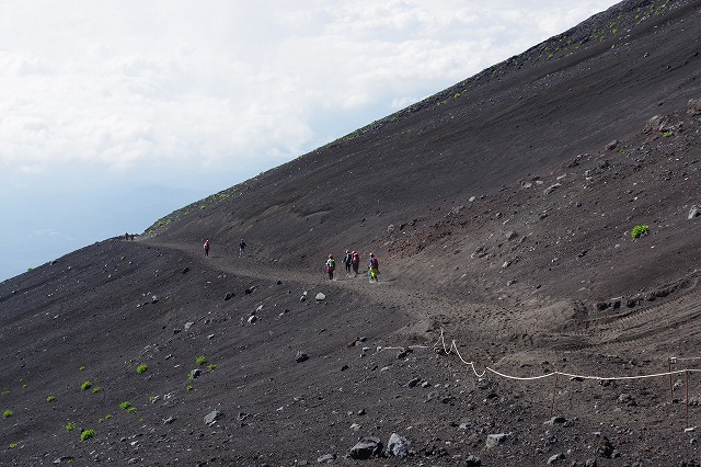 須走ルート下山道:本八合目の分岐-砂走り