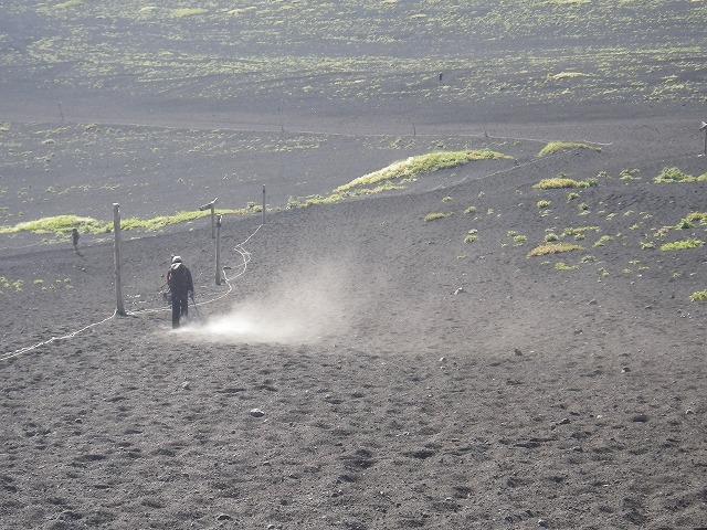 富士登山 御殿場ルートでの砂埃
