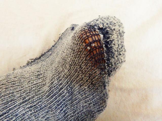 摩耗した登山用靴下