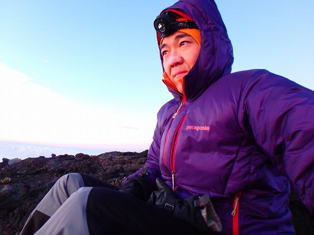 富士山山頂でご来光を見る時の服装、防寒着