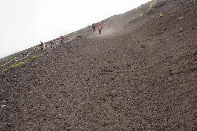 須走ルートの登山道の写真80